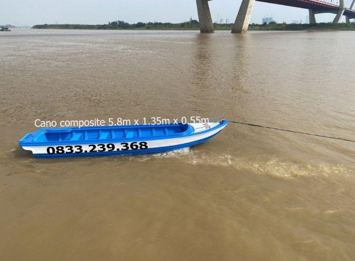 Cano composite du lịch 10 người, vận tải hàng hóa 1400kg1
