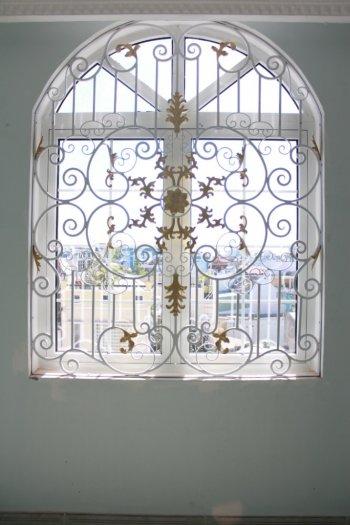 Top 10 mẫu song cửa sổ, khung bảo vệ cửa sổ sắt uốn đẹp với giá tốt nhất1