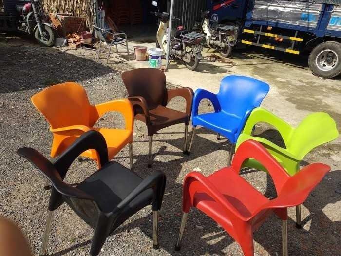 Ghế nhựa nử hoàng có đủ màu giá si tại xưởng sản xuất anh khoa 77660