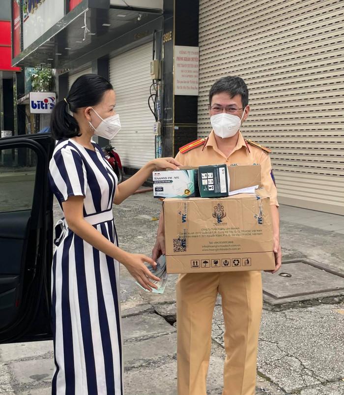 Bộ quần áo phòng dịch 4 món, quần áo bảo hộ y tế phòng chống dịch bệnh mua bán nhanh giá sỉ - 09383959397