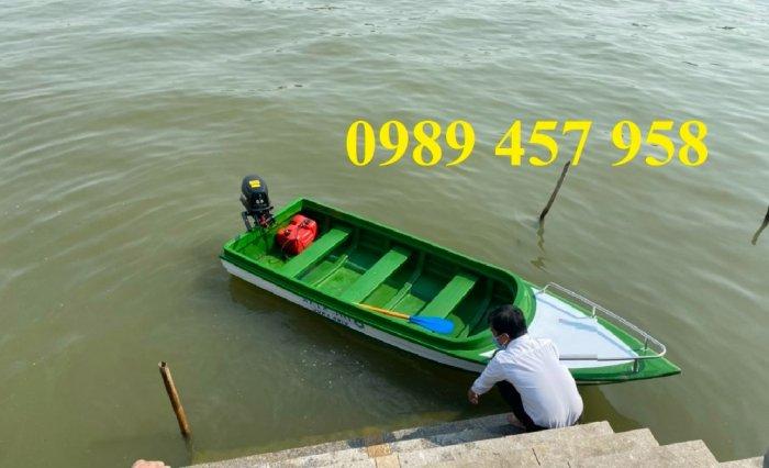 Thuyền chèo tay cho 3 người, Thuyền composite chở 4-5 người, Thuyền cano chở 6 người4