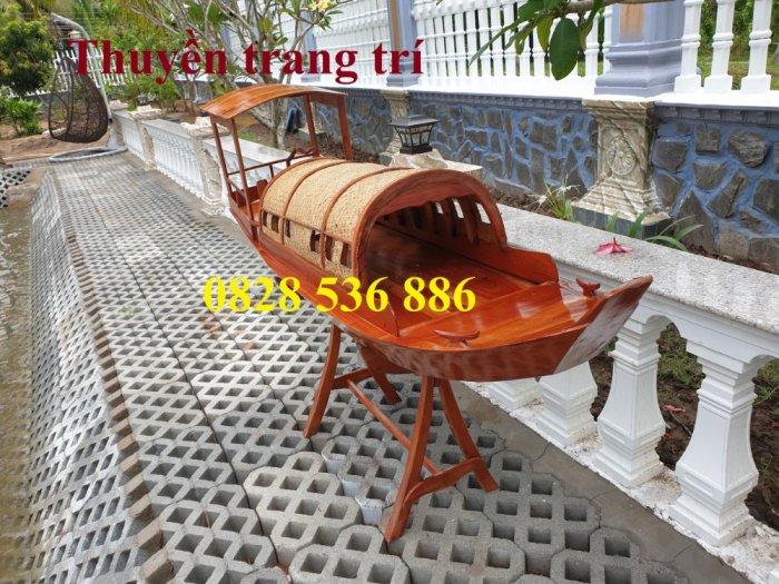 Thuyền gỗ 3m trưng bày nhà hàng, Xuồng gỗ trưng hải sản tại Sài Gòn10