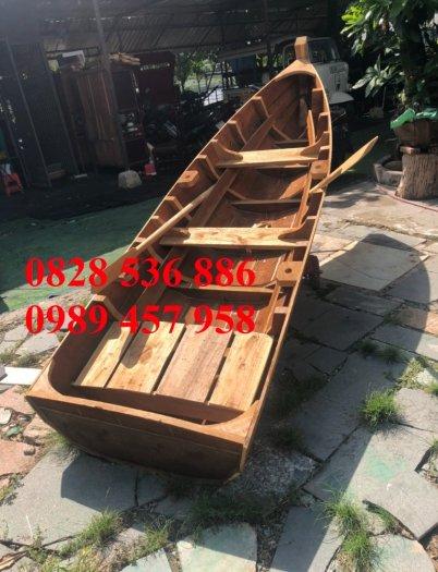 Thuyền gỗ 3m trưng bày nhà hàng, Xuồng gỗ trưng hải sản tại Sài Gòn1