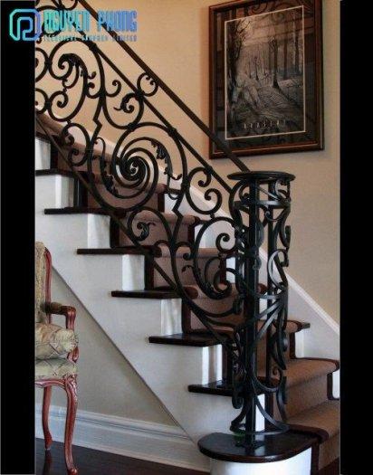 Những mẫu lan can cầu thang sắt uốn đẹp, mềm mại uyển chuyển cho biệt thự, nhà phố6