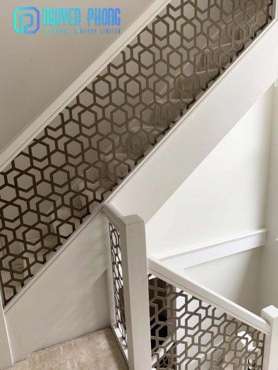 Cầu thang CNC sắt mỹ thuật bền-rẻ-đẹp mang lại không gian hiện đại đẳng cấp5