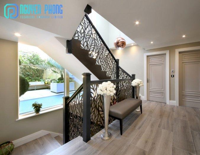 Cầu thang CNC sắt mỹ thuật bền-rẻ-đẹp mang lại không gian hiện đại đẳng cấp2