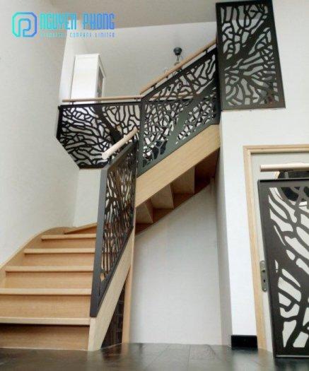 Cầu thang CNC sắt mỹ thuật bền-rẻ-đẹp mang lại không gian hiện đại đẳng cấp1