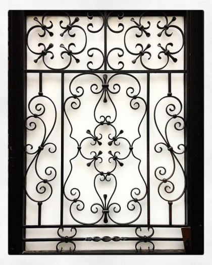 Mẫu khung bảo vệ cửa sổ sắt mỹ thuật nào phù hợp với nhà bạn?7