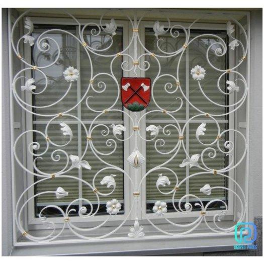 Mẫu khung bảo vệ cửa sổ sắt mỹ thuật nào phù hợp với nhà bạn?0