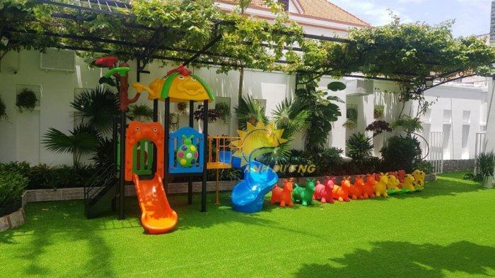 Thảm cỏ nhân tạo lót sàn, lót sân cho trường mầm non, công viên, khu vui chơi, quán cà phê7