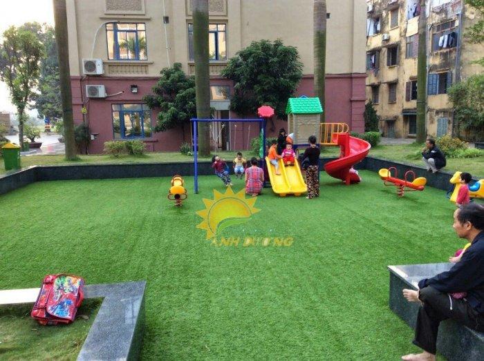 Thảm cỏ nhân tạo lót sàn, lót sân cho trường mầm non, công viên, khu vui chơi, quán cà phê5