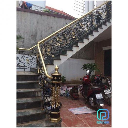 Cầu thang sắt mỹ thuật - lựa chọn hoàn hảo cho mọi gia đình1