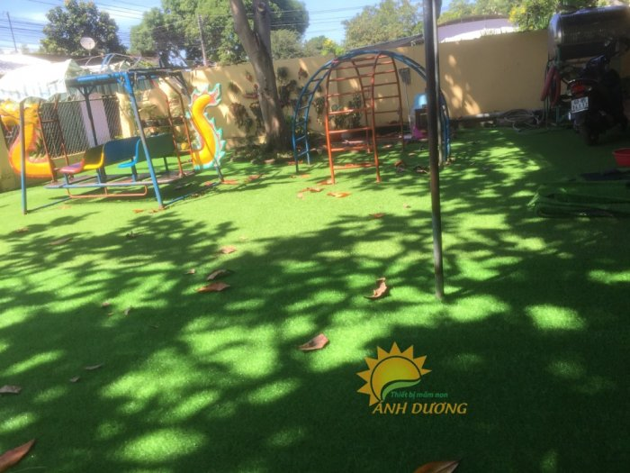 Nhận thi công thảm cỏ nhân tạo cho trường mầm non, công viên, khu vui chơi, nhà thiếu nhi5