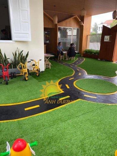 Nhận thi công thảm cỏ nhân tạo cho trường mầm non, công viên, khu vui chơi, nhà thiếu nhi2
