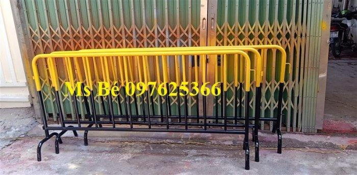 Hàng rào di động sơn phản quang, hàng rào di động thép không ghỉ7