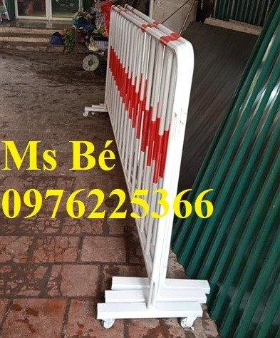Hàng rào di động sơn phản quang, hàng rào di động thép không ghỉ3