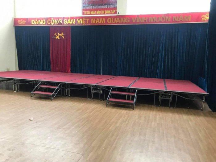 Sân khấu di động giá xưởng1