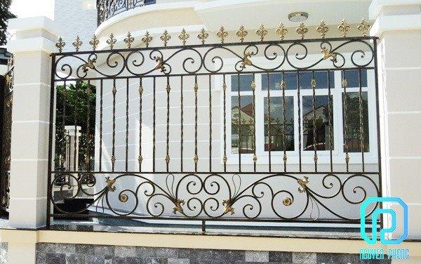 50+ mẫu hàng rào biệt thự, nhà phố cổ điển sáng tạo được gia công tinh xảo2
