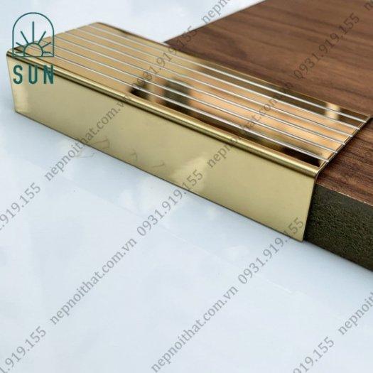 Nẹp chống trơn bậc cầu thang bằng inox 304 - Nẹp chống trơn giá rẻ nhất tại HCM - Nẹp inox đẹp4