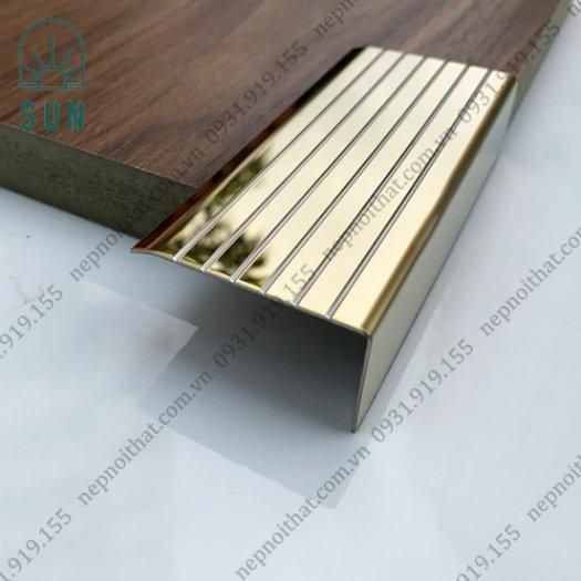 Nẹp chống trơn bậc cầu thang bằng inox 304 - Nẹp chống trơn giá rẻ nhất tại HCM - Nẹp inox đẹp3