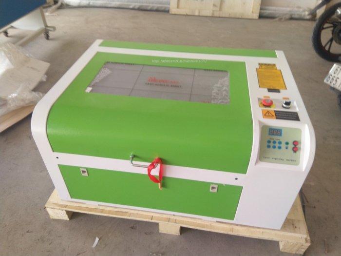 Máy cắt laser 6040 bàn nâng hạ tự động 60w phù hợp khắc tranh chân dung trên gỗ đèn ngủ mica khắc dấu cắt vải8
