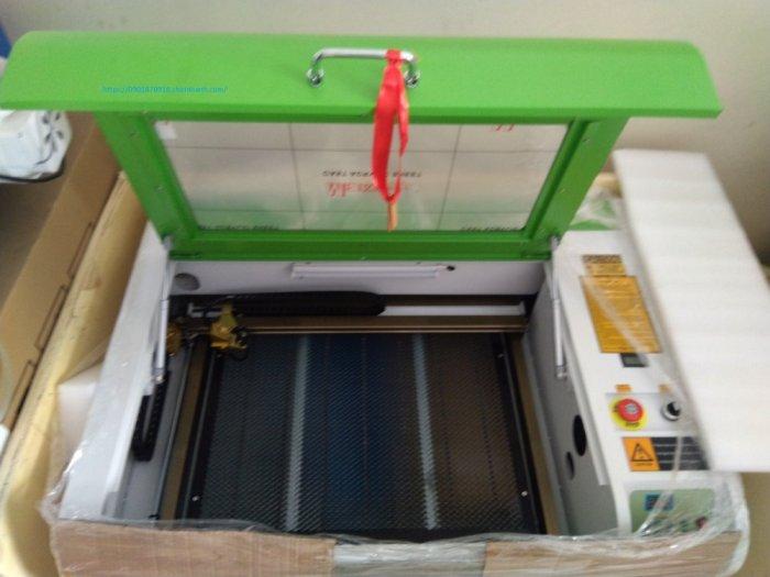 Máy cắt laser 6040 bàn nâng hạ tự động 60w phù hợp khắc tranh chân dung trên gỗ đèn ngủ mica khắc dấu cắt vải2