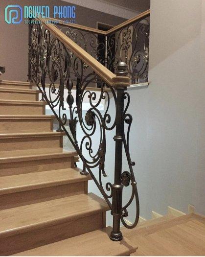 5 tips khi chọn cầu thang sắt mỹ thuật để ngôi nhà trở nên sang trọng đẳng cấp hơn1