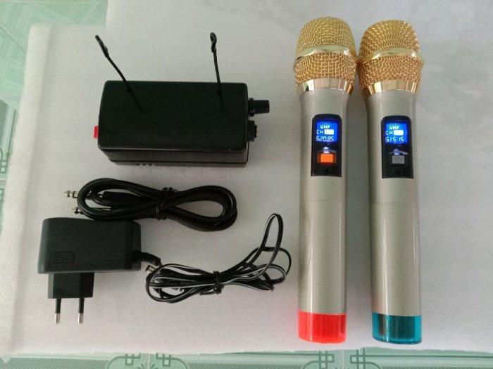 Bộ Micro không dây tiếng hay (hàng mới)1