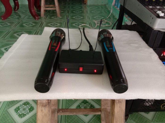 Bộ Micro không dây có báo Pin, sóng, setup được tần số ( hàng mới)3