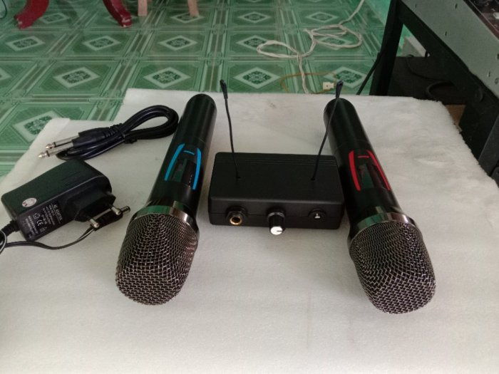 Bộ Micro không dây có báo Pin, sóng, setup được tần số ( hàng mới)1