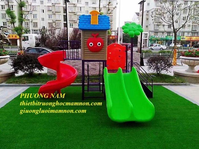 Cầu trượt ngoài trời cho trẻ2