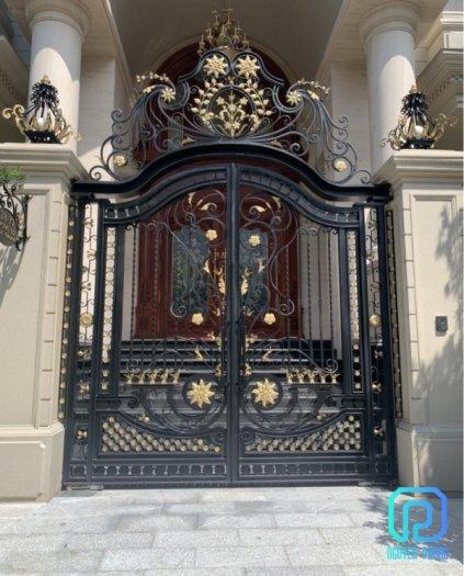 Mẫu cổng sắt mỹ thuật cho biệt thự được tìm kiếm nhiều nhất năm 20216