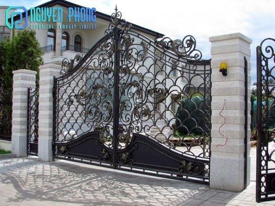 Mẫu cổng sắt mỹ thuật cho biệt thự được tìm kiếm nhiều nhất năm 20215