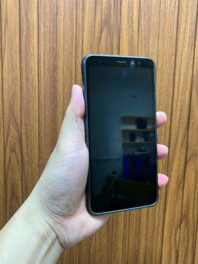 Samsung Galaxy S8 Active1