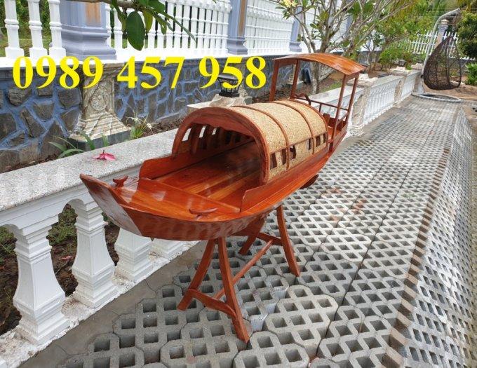 Mẫu thuyền gỗ đẹp trang trí nhà hàng, Thuyền gỗ trưng bày quán hải sản, Thuyền gỗ trang trí 3m3