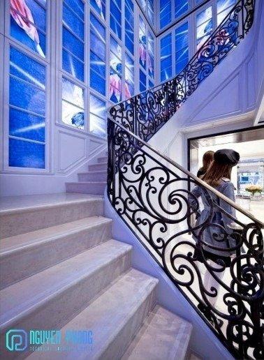 Báo giá mẫu cầu thang sắt cổ điển lộng lẫy cho biệt thự, công trình xây dựng cao cấp5