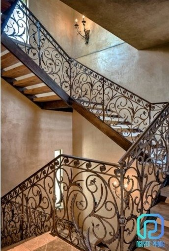 Báo giá mẫu cầu thang sắt cổ điển lộng lẫy cho biệt thự, công trình xây dựng cao cấp4