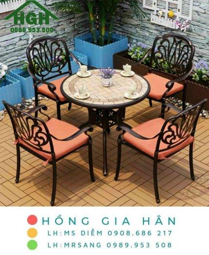 Bộ bàn ghế cafe sân vườn nhôm đúc Hồng Gia Hân MS9160
