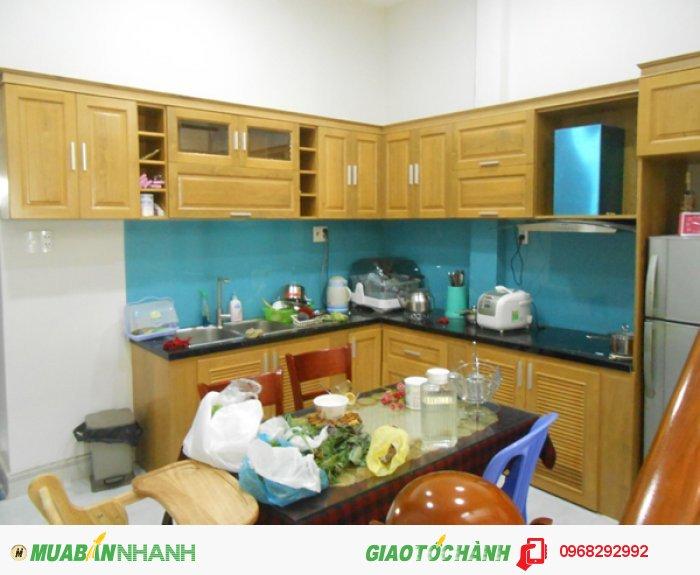 Tủ bếp Mộc Vàng gỗ sồi tự nhiên được sấy khô và xử lý mối mọt