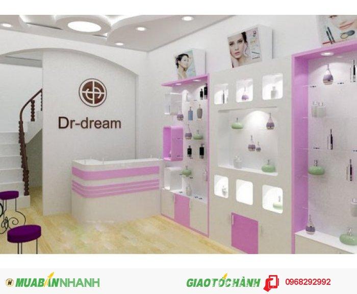 Tủ kệ shop trưng bày sản phẩm bằng MDF sơn phối màu thương hiệu