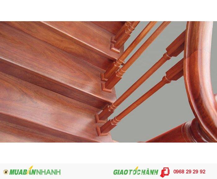 Mặt bậc cầu thang bằng gỗ tự nhiên dầy 3cm soi ống tơ