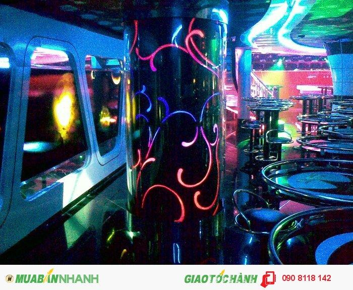 Là tụ điểm vui chơi giải trí sôi động vũ trường, quán bar là một một nơi t�...