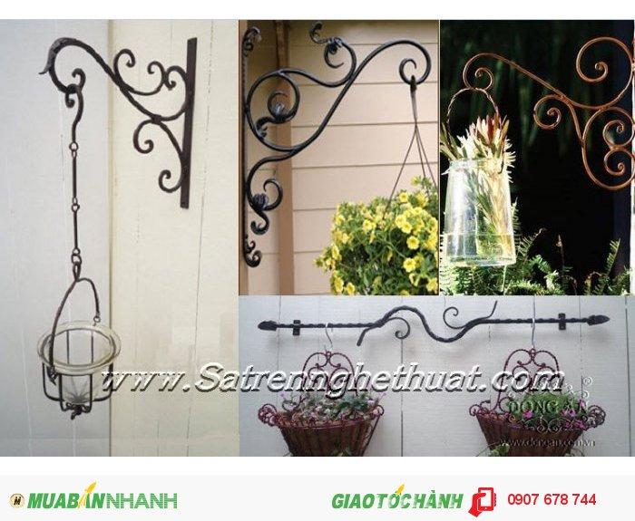 Những phụ kiện trang trí là nổi bật thêm cho ngôi nhà.
