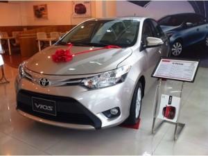 Toyota Vios giao ngay khuyến mãi lớn