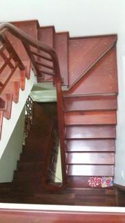 Cầu thang lên xuống - Bán nhà chính chủ giá tốt  - ngõ 460 Thụy Khuê - 2t68, diện tích 41m2