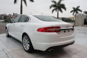 Jaguar XF 2.0 2015 Màu trắng xe sản xuất tại Anh, xe mới 100%