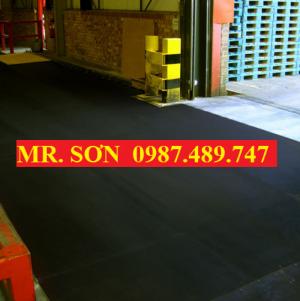 Tấm lót sàn chống trượt trong nhà máy, bọc phủ composite FRP.