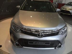 Toyota Camry 2.5q Màu Bạc