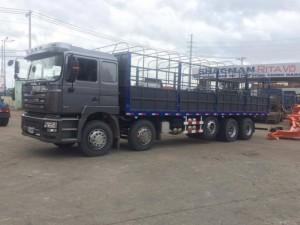 Xe tải 5 chân Shacman tải trọng cao 22.220 kg