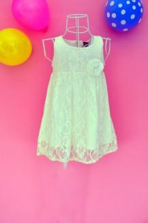 Đầm ren bông hồng trắng